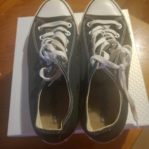 Men's converse, size 8 Men's and women's